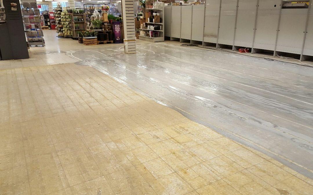 Dialux renoverer gulvet i supermarkedet